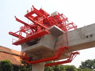 चीन Bridge Construction Equipment Rubber Tyre Segment Lifting Systems ISO9001 आपूर्तिकर्ता