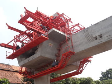 चीन Custom Bridge Beam Segment Lifter With Electric Winches वितरक