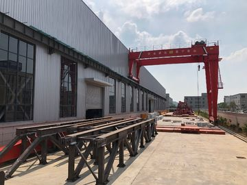 चीन Factories / Material Stocks LH Electric Hoist Type Overhead Crane Double Girder वितरक
