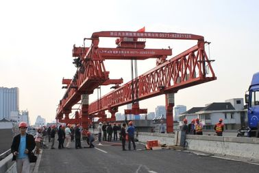 चीन High working efficiency Beam Launcher Gantry Crane in road precast beam erecting work वितरक